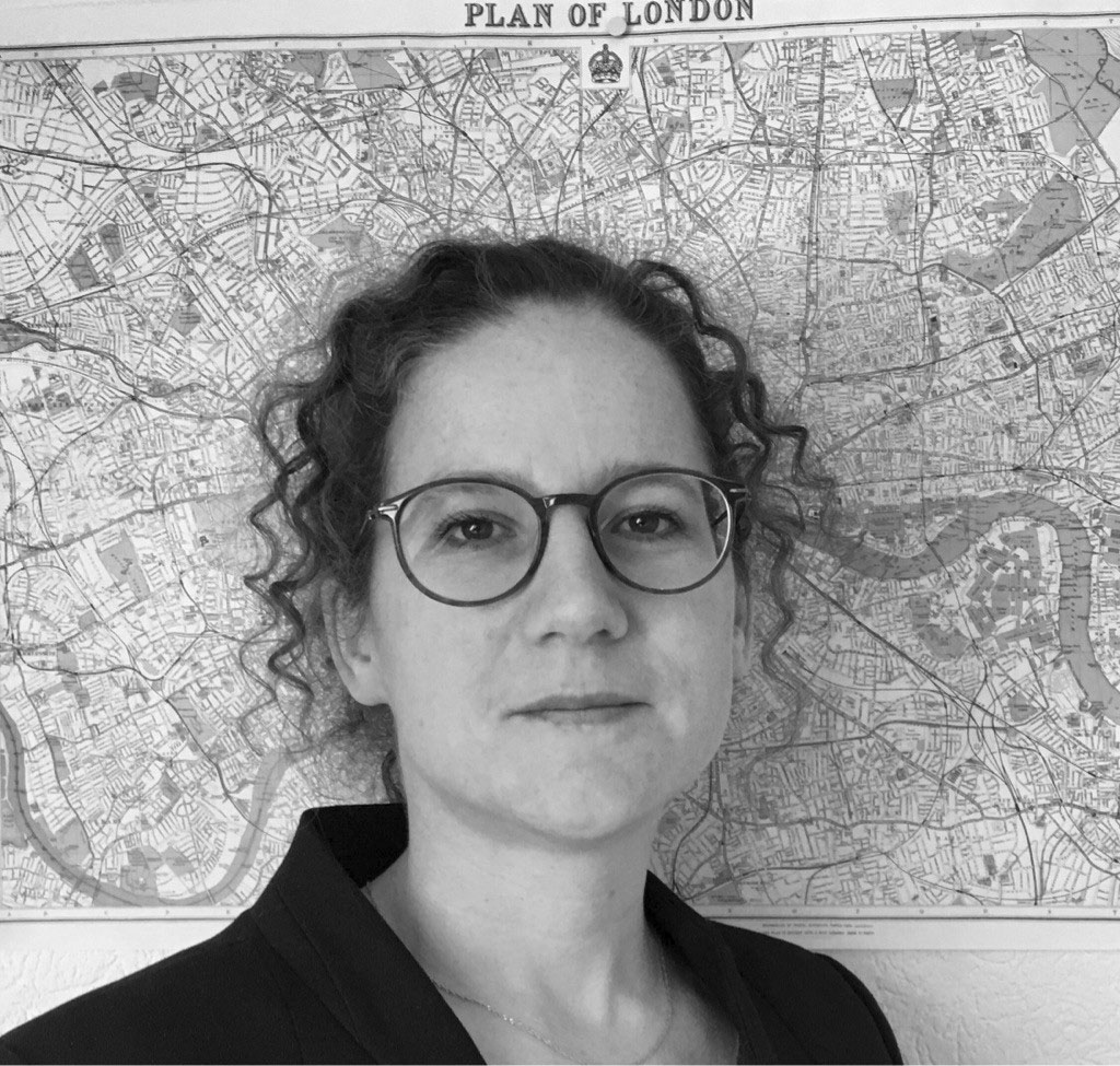 Dr. Julia Eichenberg
